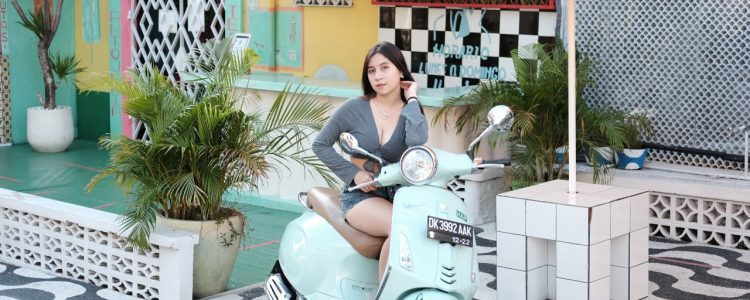 Sewa Motor Vespa Matic di Bali